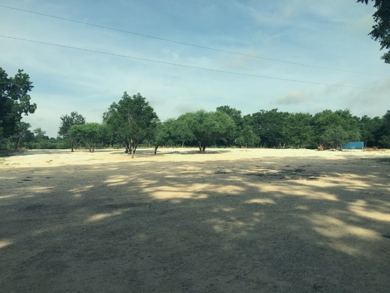 picture of dirt parking lot