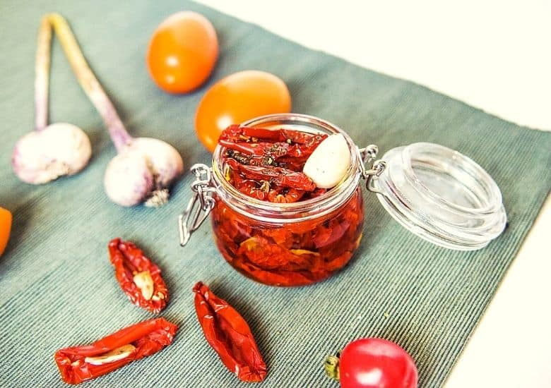 dehydarted tomatoes in jar